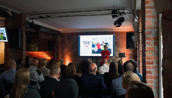 Over 100 stykker var tilstede da Merete Nygaard og Lawbotics lanserte Lexolve Market på Mesh tirsdag kveld. Foto: Lawbotics