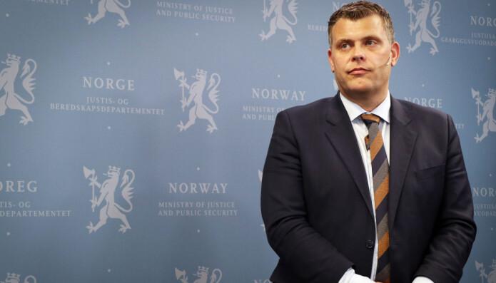 Ifølge nå avgåtte justisminister Jøran Kallmyr (Frp) blir forslaget til ny finansavtalelov forelagt Stortinget i nær framtid.