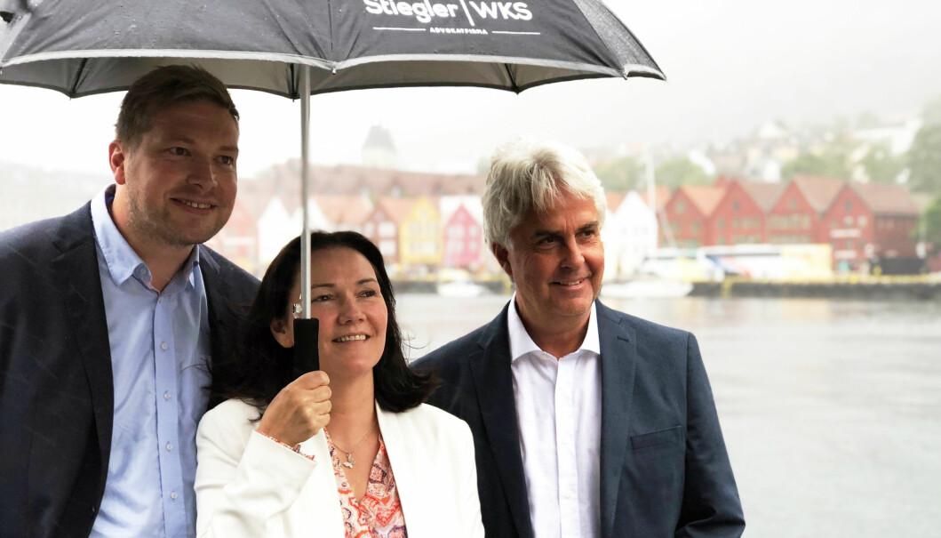 Erlend Bergstrøm, Ingvild Strømsnes Maden og Aksel Kayser i Stiegler WKS i Bergen opplevde også rekordvekst i fjor. Foto: Thea N. Dahl