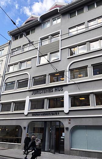 Advokatforeningen eier Juristenes Hus sammen med Juristforbundet. Foreningen har holdt til her siden 1991.