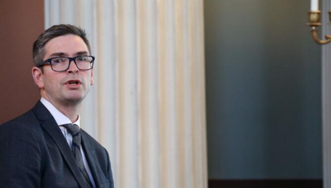 John Asland leder instituttet for privatrett ved Universitetet i Oslo.