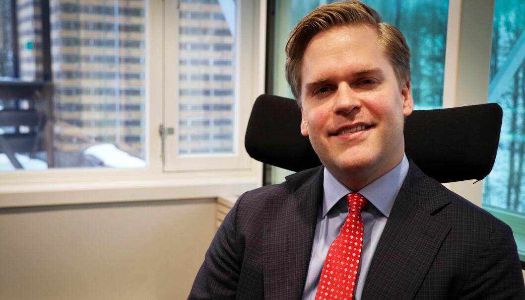 Kristoffer Sivertsen skrev masteroppgave om innovasjon i advokatbransjen og har advokatbevilling.