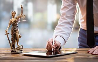 Ny rapport: Ikke hensiktsmessig å stramme inn eierskapsreglene i advokatbransjen