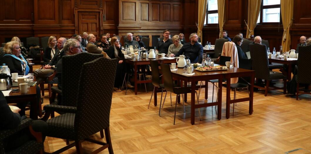 Rekordstort oppmøte på Høyesteretts pressefrokost i går. Alle de store riksmediene var påmeldt, og det var også tre medarbeidere fra nettstedet Document.no.