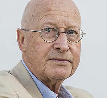 Geir Kjell Andersland er advokat med egen praksis i Bergen. Han var tidligere fylkesnemndsleder i Hordaland og Sogn og Fjordane. Han har hatt mange politiske verv, og er i dag gruppeleder for Venstre i Vestland fylkesting.