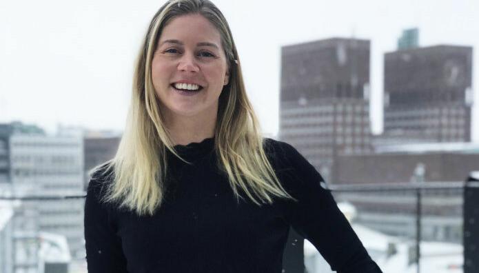 Ingeborg Kristine Lind jobber med arbeidsrett, fornybar energi og eiendomstransaksjoner i Wiersholm.