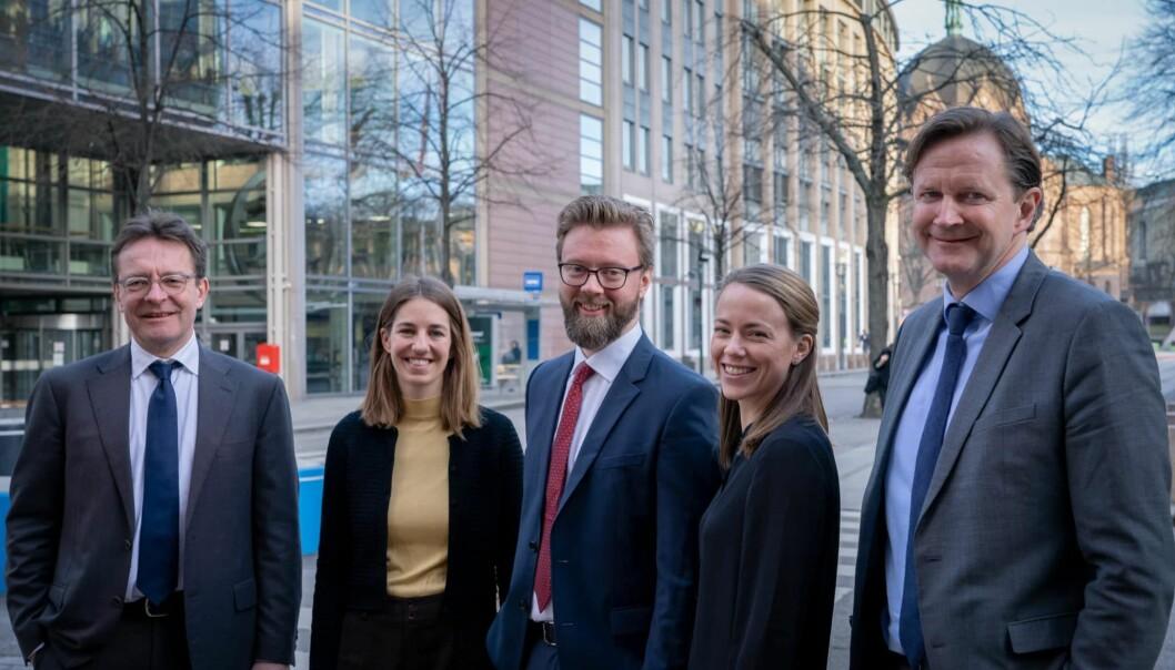 Christopher Hansteen, Ingrid Kverneland-Mogstad, Tor-Børge Bendiksen, Vibeke Holm Teslo, og Jens Kristian Johansen begynte nylig å arbeide i Hjort som holder til i i Akersgata i Oslo.
