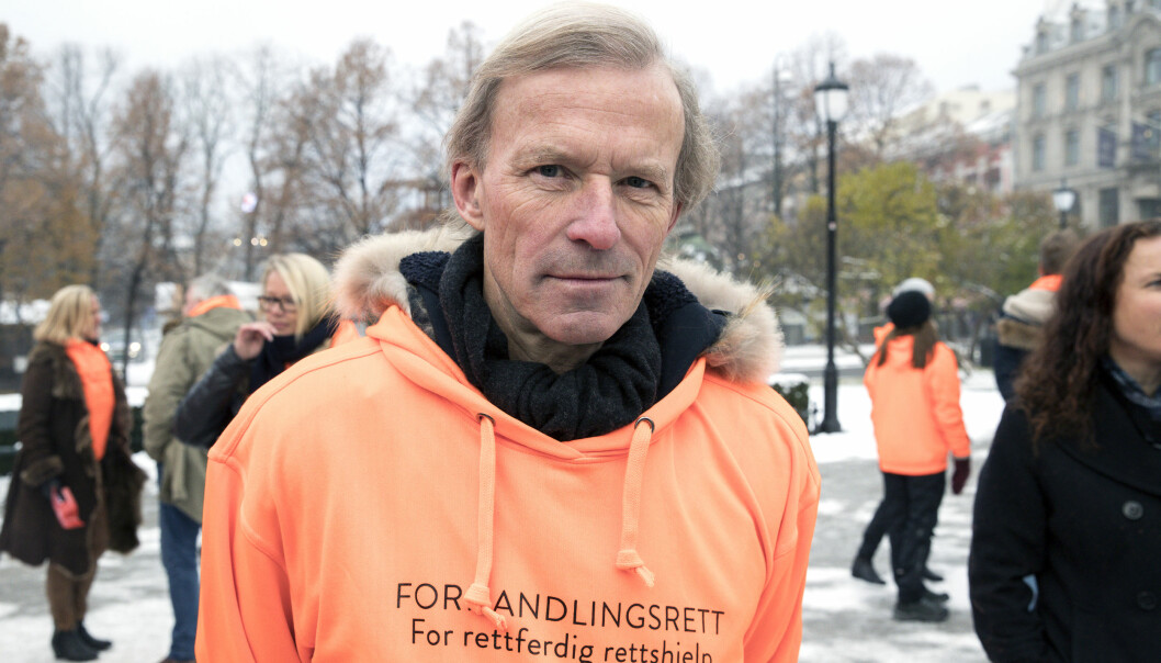 Frode Sulland leder arbeidsutvalget i Advokatforeningens representantskap. Her fra forrige aksjon om forhandlingsrett i november 2017.