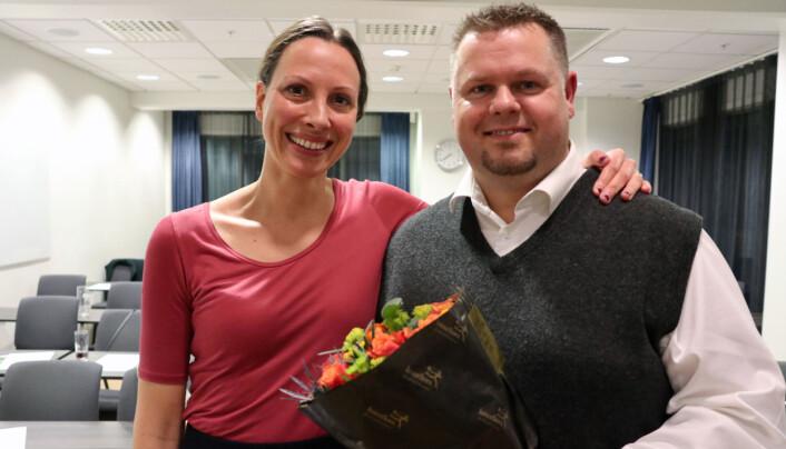 Ann Mari Winterhus-Fjeld tar over som ny kretsleder for Stian Bråstein, som ble takket av med blomster.