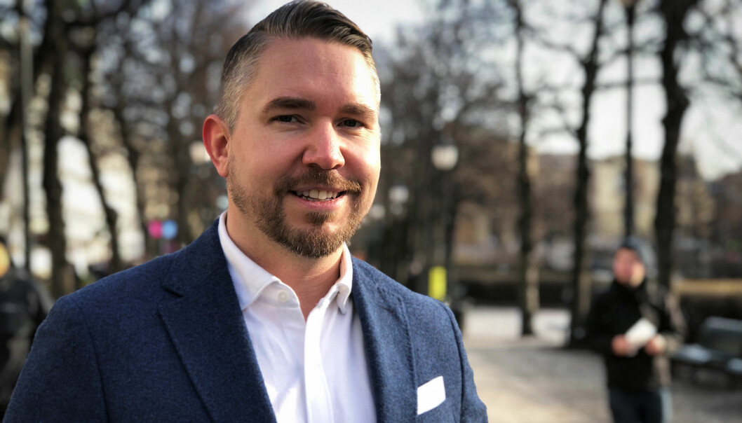 Erling Løken Andersen (38) sier ambisjonen er å lansere Advokatguiden.no i løpet av mars.