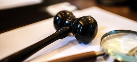 Trekker forslaget om å kutte ut meddommere i tingretten