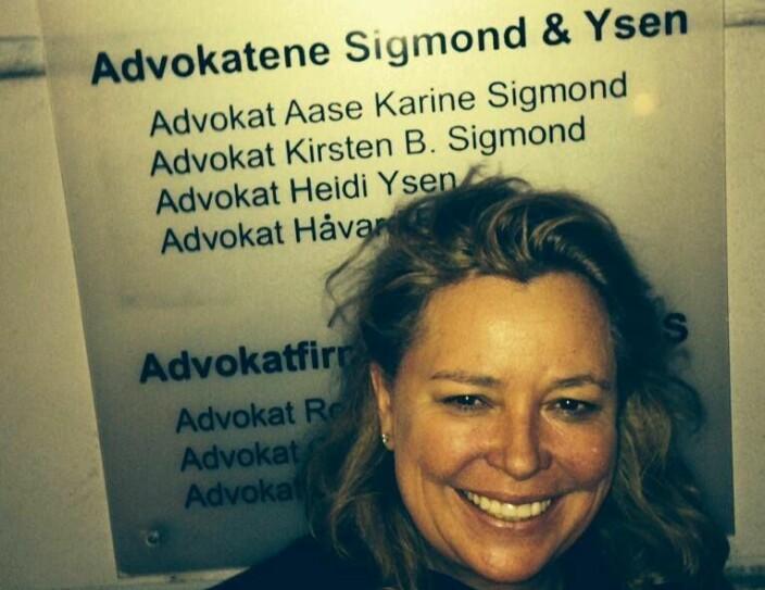 Aase Karine Sigmond er forsvarsadvokat og satt i mange år i styret i Forsvarergruppen.