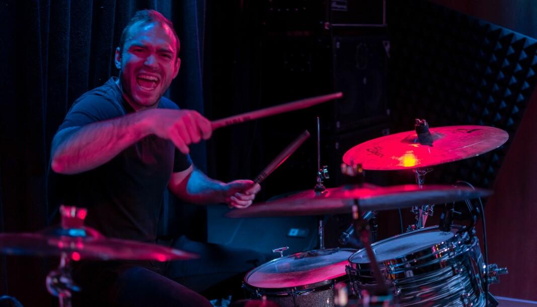Martin Lie Hauge «denger løs» under Vanarys debut-konsert i Stavanger i fjor.