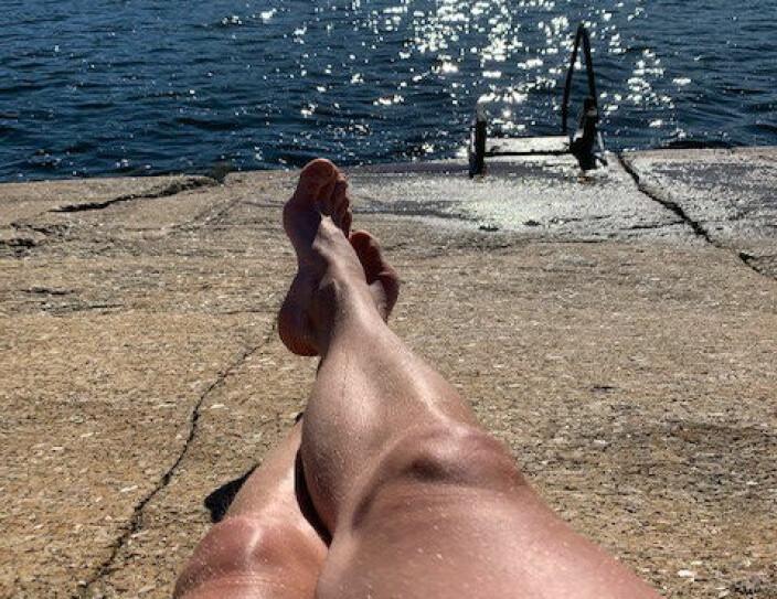 Thomas Nordby sendte oss dette sommerbildet av seg selv - her på familiens sommerparadis utenfor Sandefjord.
