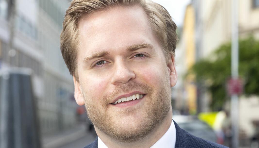 Kristoffer Sivertsen har studert ved både UiS og UiB, og sier selv at han har et tett forhold til begge steder.