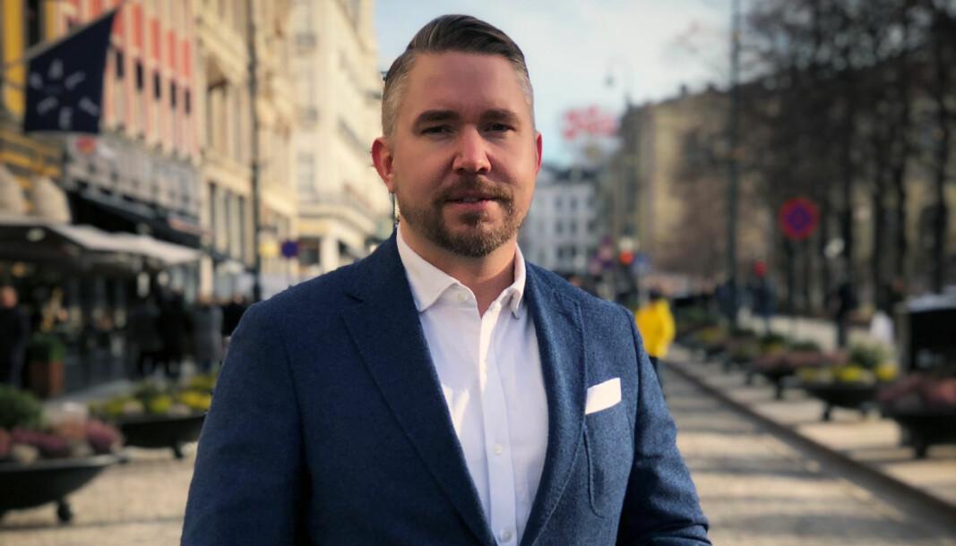 Erling Løken Andersen hoppet av som advokat for å etablere nettstedet Advokatguiden.no.