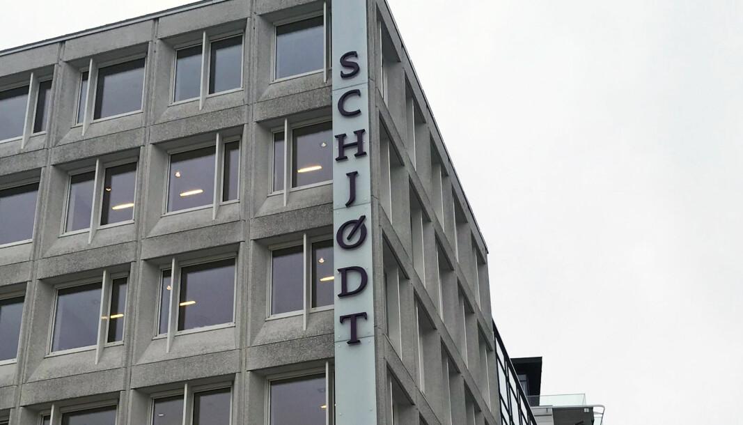 17 av landets 20 advokater med høyest inntekt arbeider i Schjødt, skriver DN.