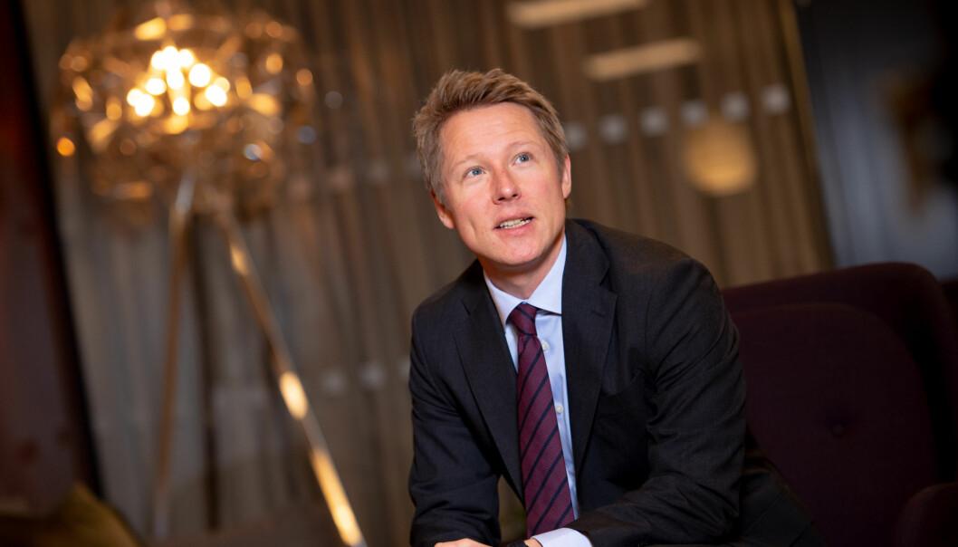Frank C. Aase ber politikerne endre avgjørelsen om å legge ned Oslo byfogdembete som spesialdomstol.