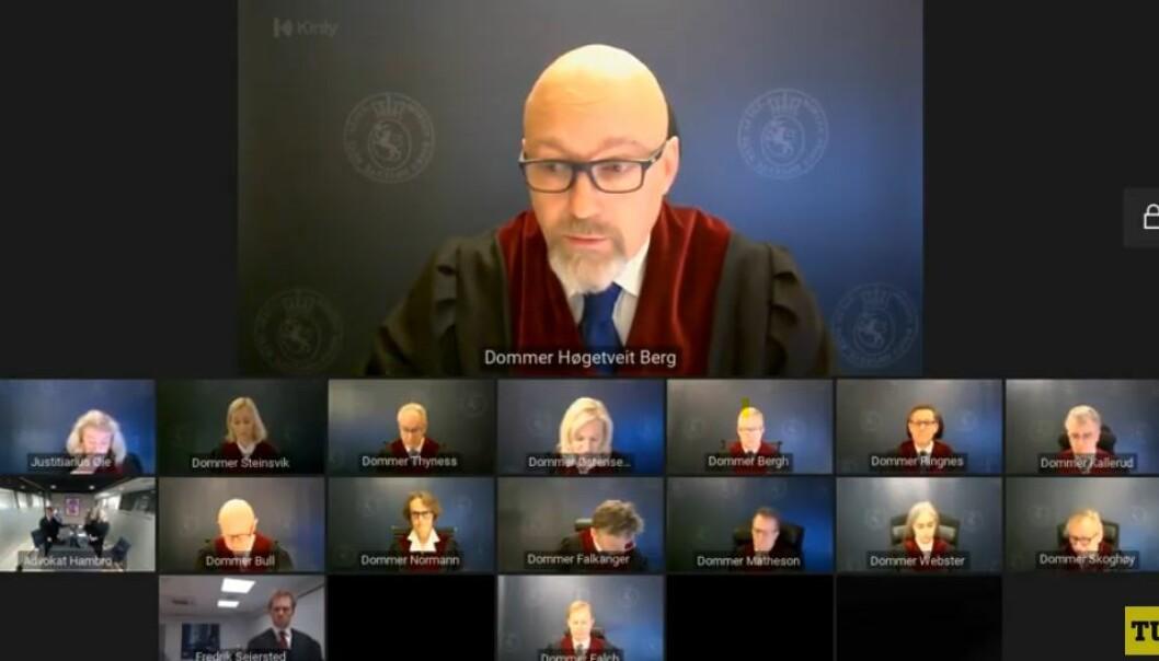 Dommer Borgar Høgetveit Berg leste opp dommen.