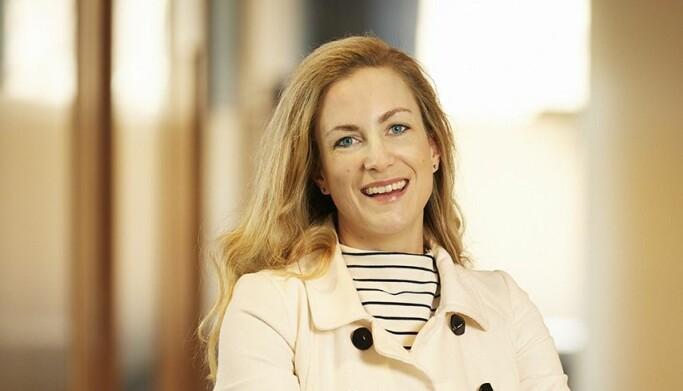 Hanne Skråmm Espeland erkjenner at den nye rutinen er litt uvant.