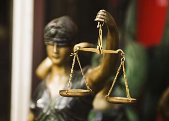 Skrivende jurist søkes til Advokatbladet