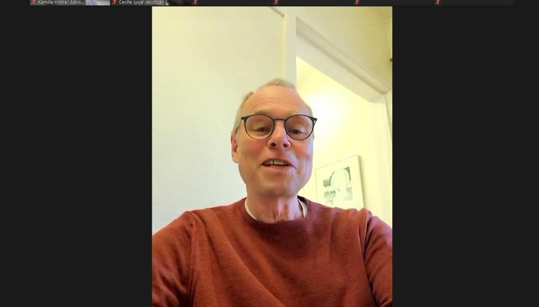 Professor Hans Petter Graver mottok i ettermiddag et digitalt diplom fra Oslo krets.