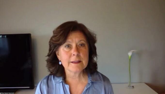 Kretsleder Else-Marie Merckoll ledet årsmøtet.