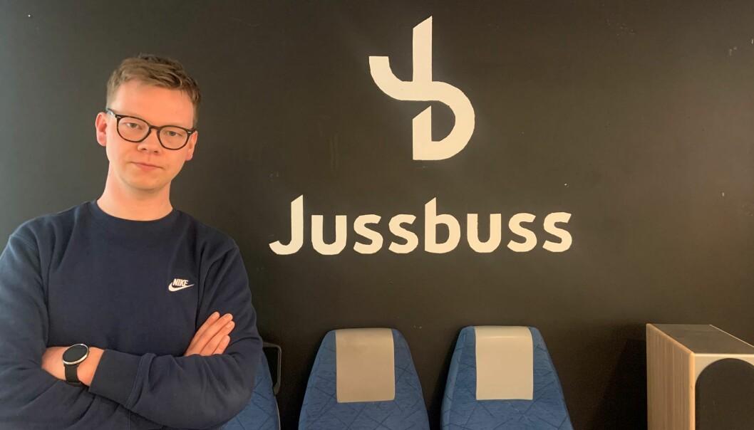 - Potten må økes om flere skal konkurrere om den, sier daglig leder Jonathan Leifsson de Lange i Jussbuss.