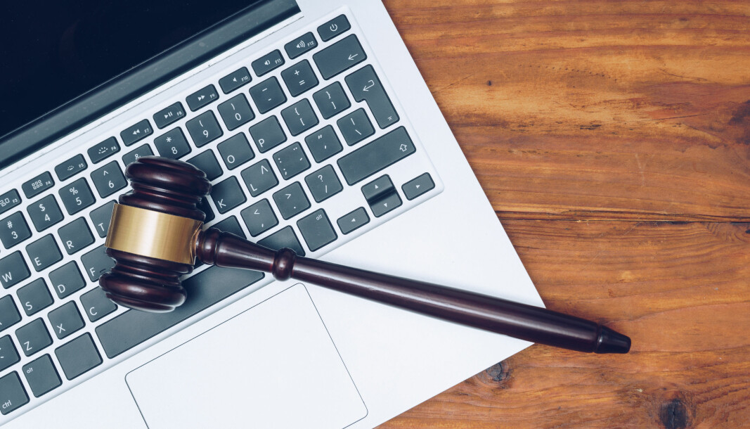 Fra torsdag ettermiddag må all kommunikasjon med domstolene foregå uten digitale hjelpemidler.