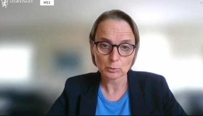 Advokat Marianne Hagen er medlem av Advokatforeningens lovutvalg for barnevern, og stilte i den digitale høringen tirsdag ettermiddag