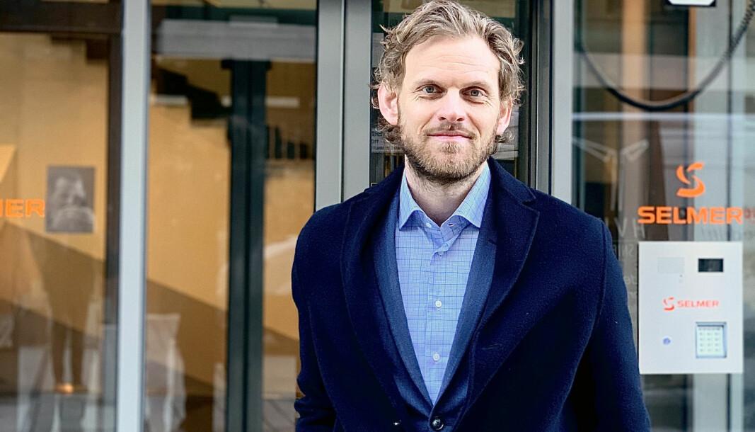 – Enkelte advokater opptrer heller i kulissene fremfor å representere klienten offisielt, sier Fredrik Lilleaas Ellingsen.