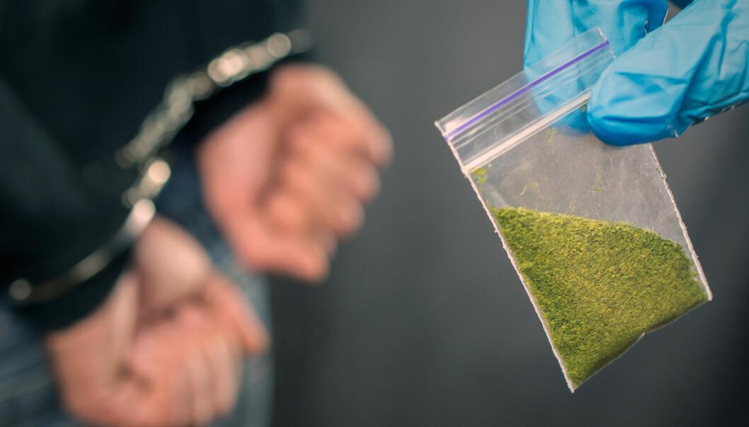 Riksadvokaten har bedt statsadvokatene om en gjennomgang av rutinene for ransaking i narkotikasaker.