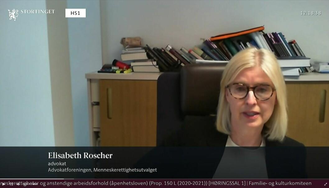 Advokat Elisabeth Roscher deltok i Stortingets høring om åpenhetsloven.