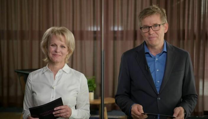 JUS-direktør Torbjørn Buer og Advokatforeningens generalsekretær Merete Smith ønsket nær 1000 deltakere velkommen gjennom skjermen.