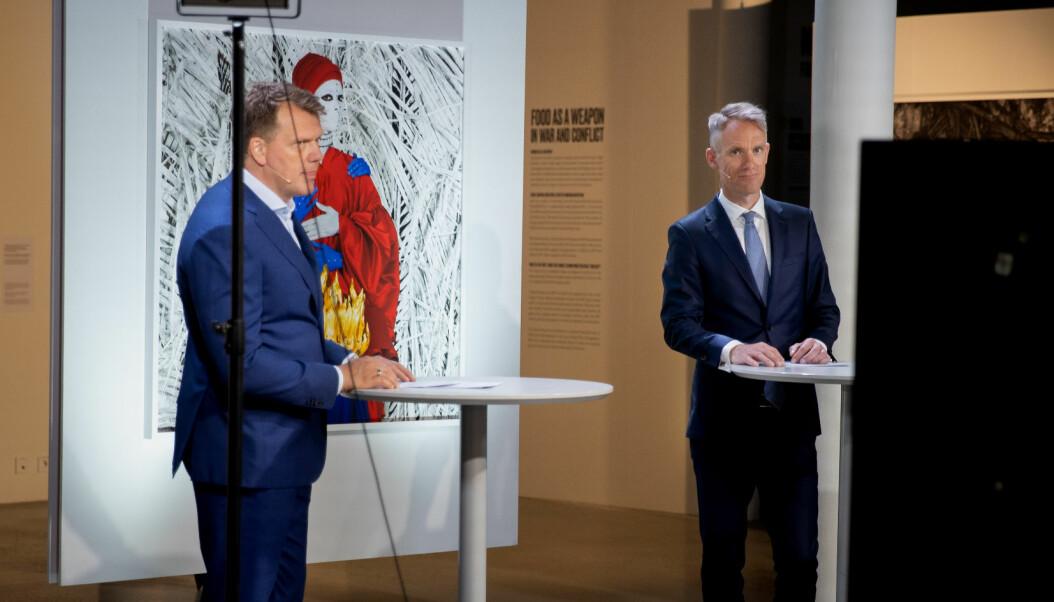 Johnny Johansen (t.v.) og Mikal Brøndmo ledet sendingen fra Nobels Fredssenter i Oslo.