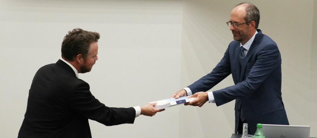 Rapporten ble overlevert statsråd Torbjørn Røe Isaksen onsdag ettermiddag.