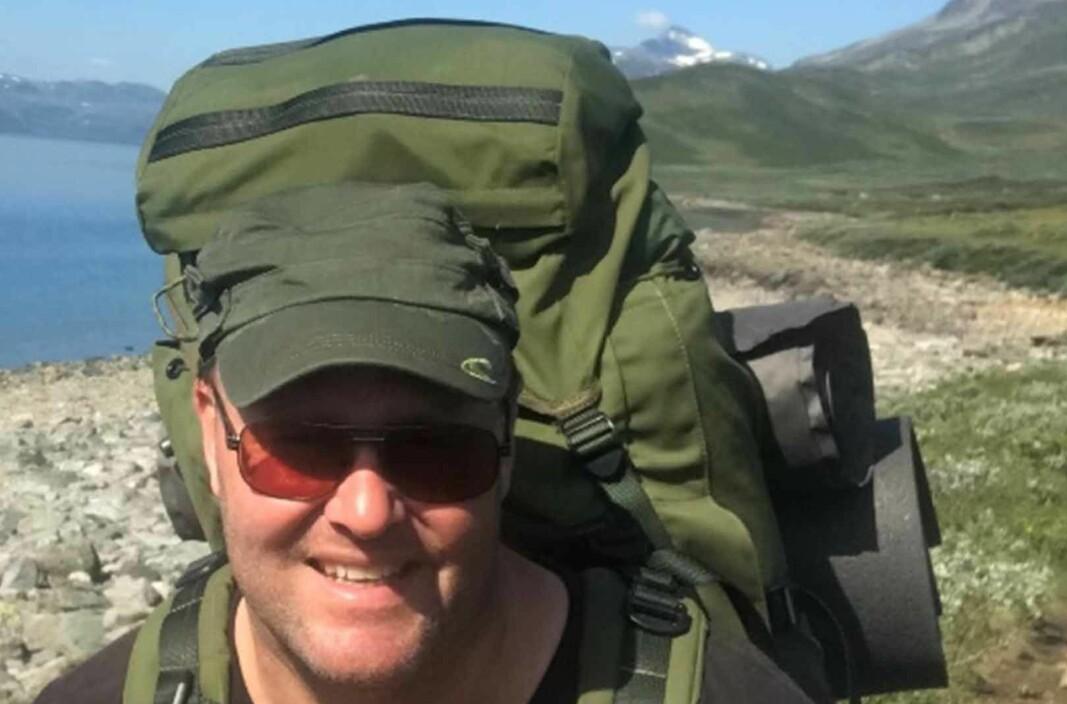 Espen Rostrup Nakstad er glad i friluftsliv, og har drevet med blant annet fjellklatring og fallskjermhopping.