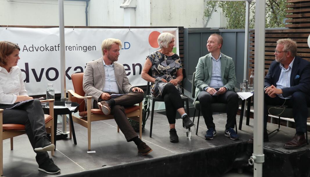 Fra venstre: Solveig Schytz (V), Haagen Poppe (H), Birte Simonsen (MDG), Jon Christian Fløysvik Nordrum og Jon Wessel-Aas.