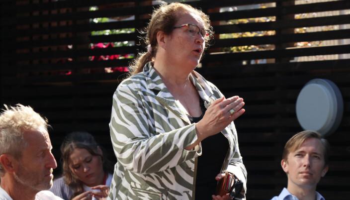 Selmer-partner Liv Monica Stubholt var blant dem som tok ordet i debatten i Arendal.