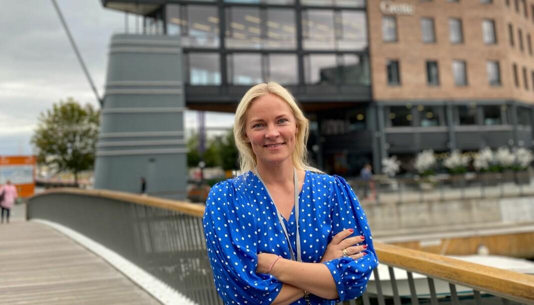 Madeleine Bråthen Bjaaland foran Grettes lokaler på Filipstad Brygge i Oslo.