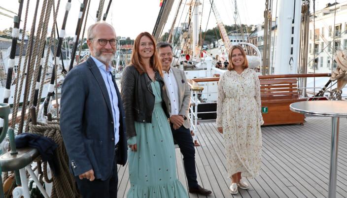 Wikborg Reins delegasjon i Arendal hygget seg på One Ocean-mottagelsen der de fikk lære mer om ekspedisjonen.