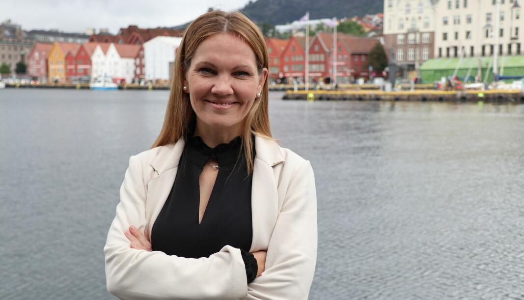 Maria Hessen Jacobsen foran Bryggen i Bergen.