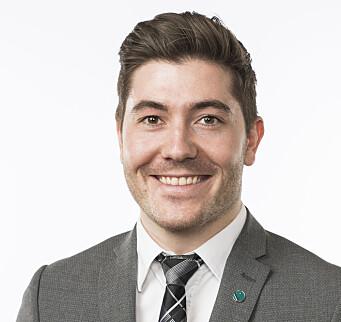 Grunde Almeland har vært statssekretær i den avtroppende regjeringen, og er fra og med i morgen stortingsrepresentant for Venstre.