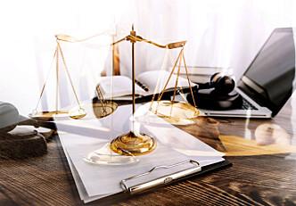- Store underskudd for advokater som bare jobber på offentlig sats og stykkpris